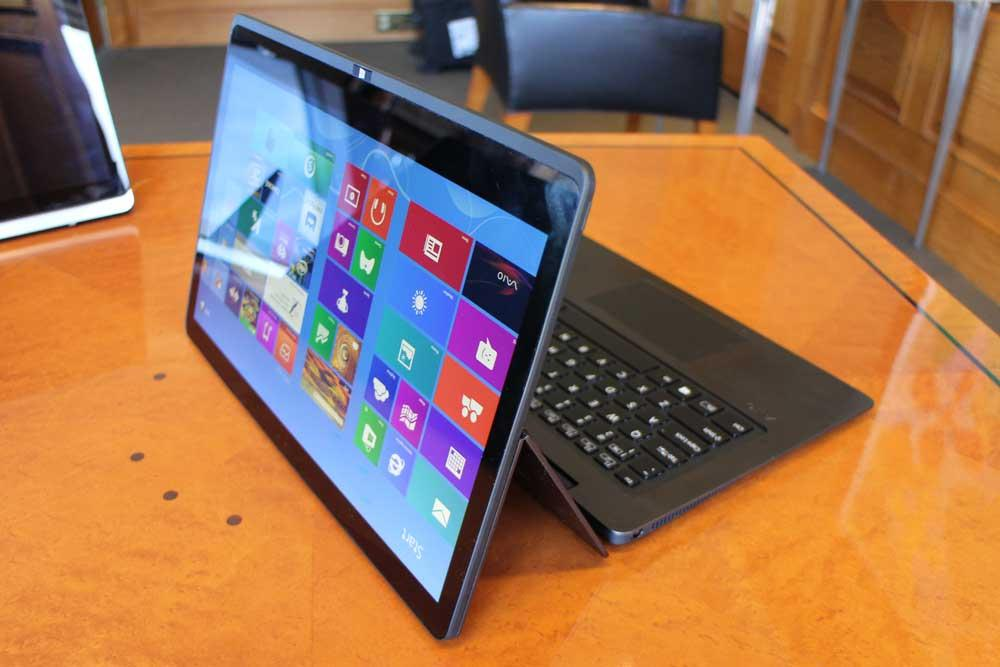 Sony's new Vaio Flip PC hybrid laptop backbends into a ...