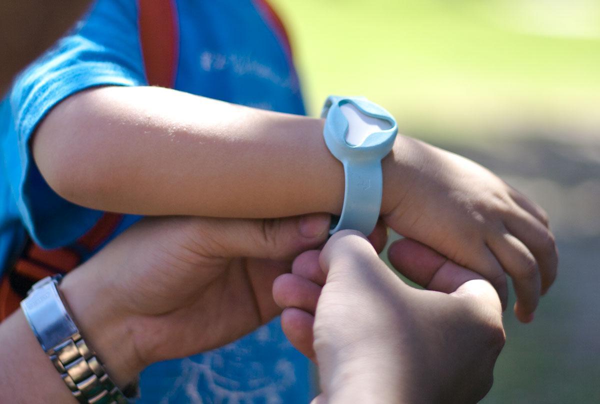 Tracking bracelet for toddler