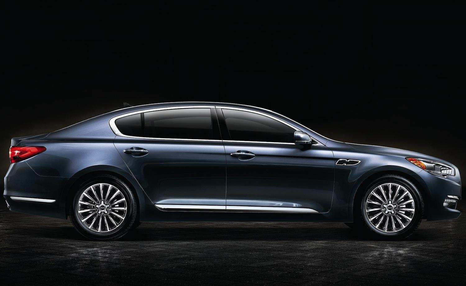 kia k900 70 000 flagship sedan confirmed for la auto show unveil digital trends. Black Bedroom Furniture Sets. Home Design Ideas