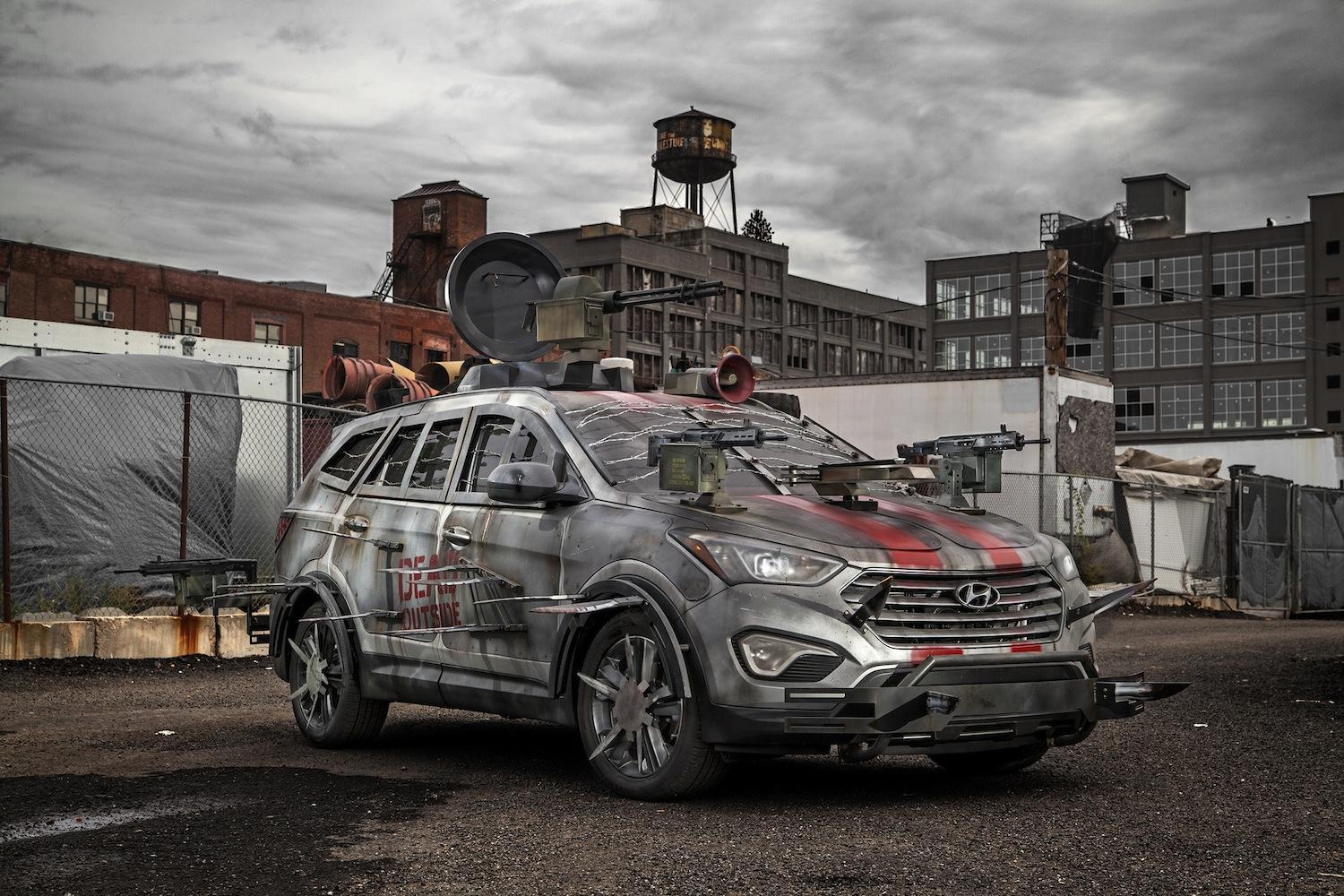 hyundai creates the walking dead themed santa fe digital trends. Black Bedroom Furniture Sets. Home Design Ideas