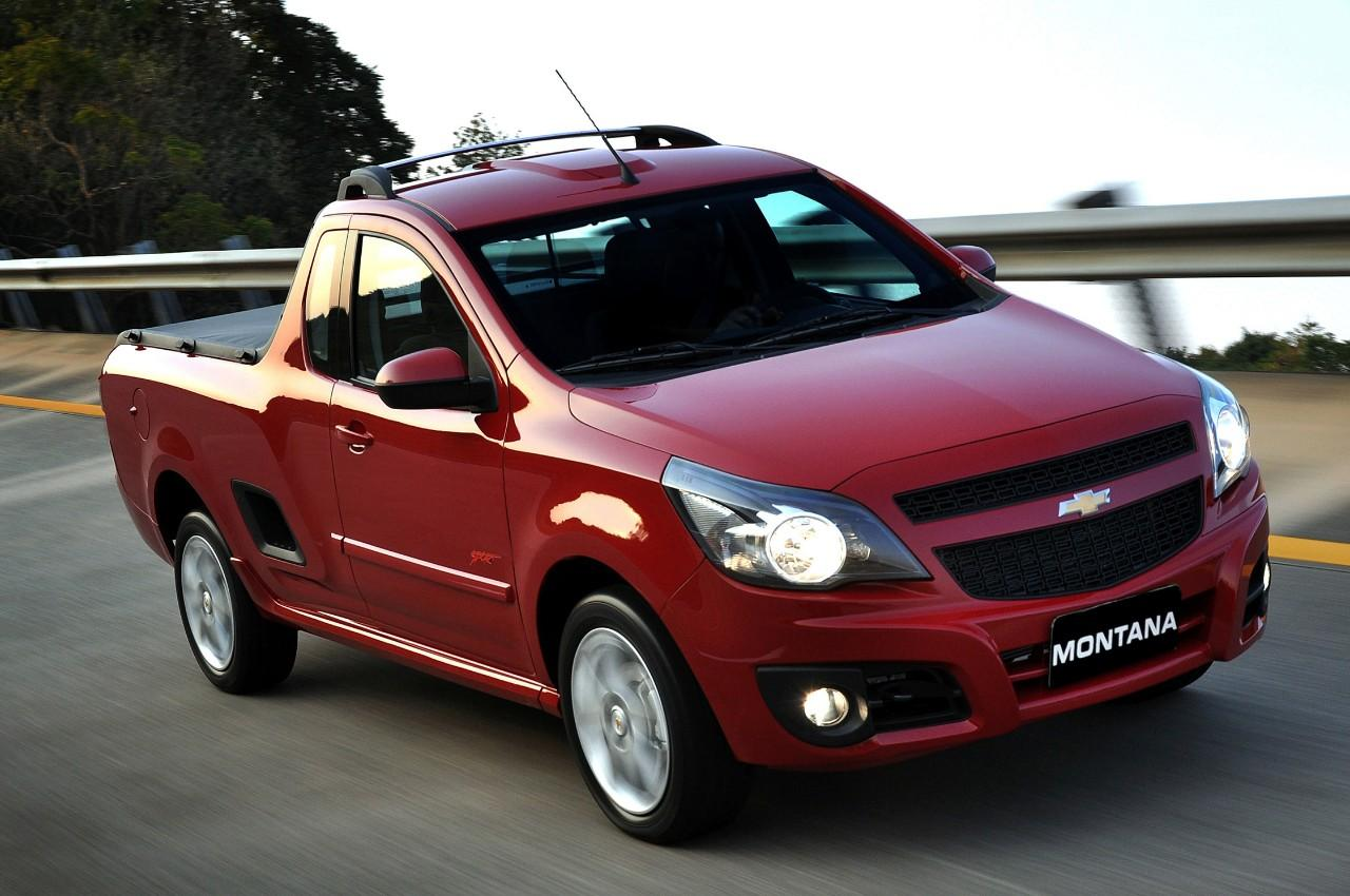 chevrolet montana could this tiny truck work in the u s digital trends. Black Bedroom Furniture Sets. Home Design Ideas