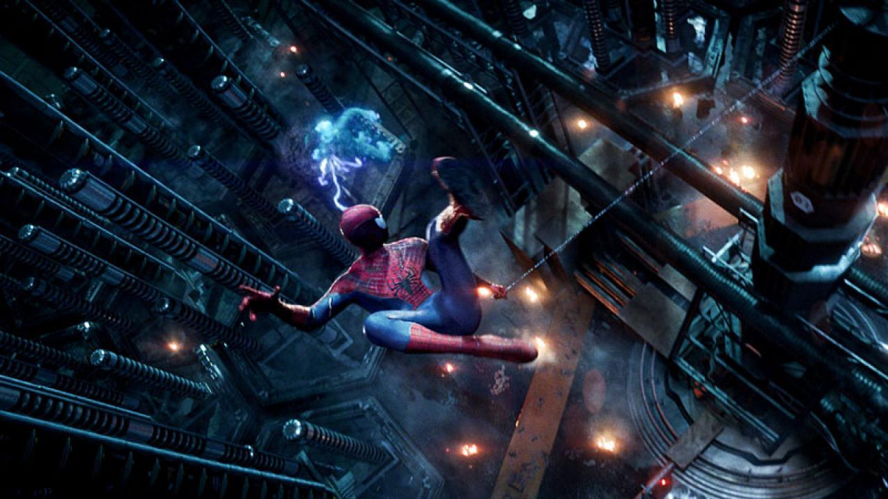 the amazing spider man 2 swings into times square on new. Black Bedroom Furniture Sets. Home Design Ideas