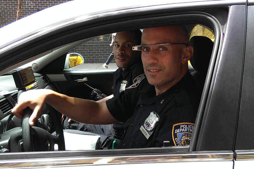 NYPD patrol officers have started testing Google Glass in ...