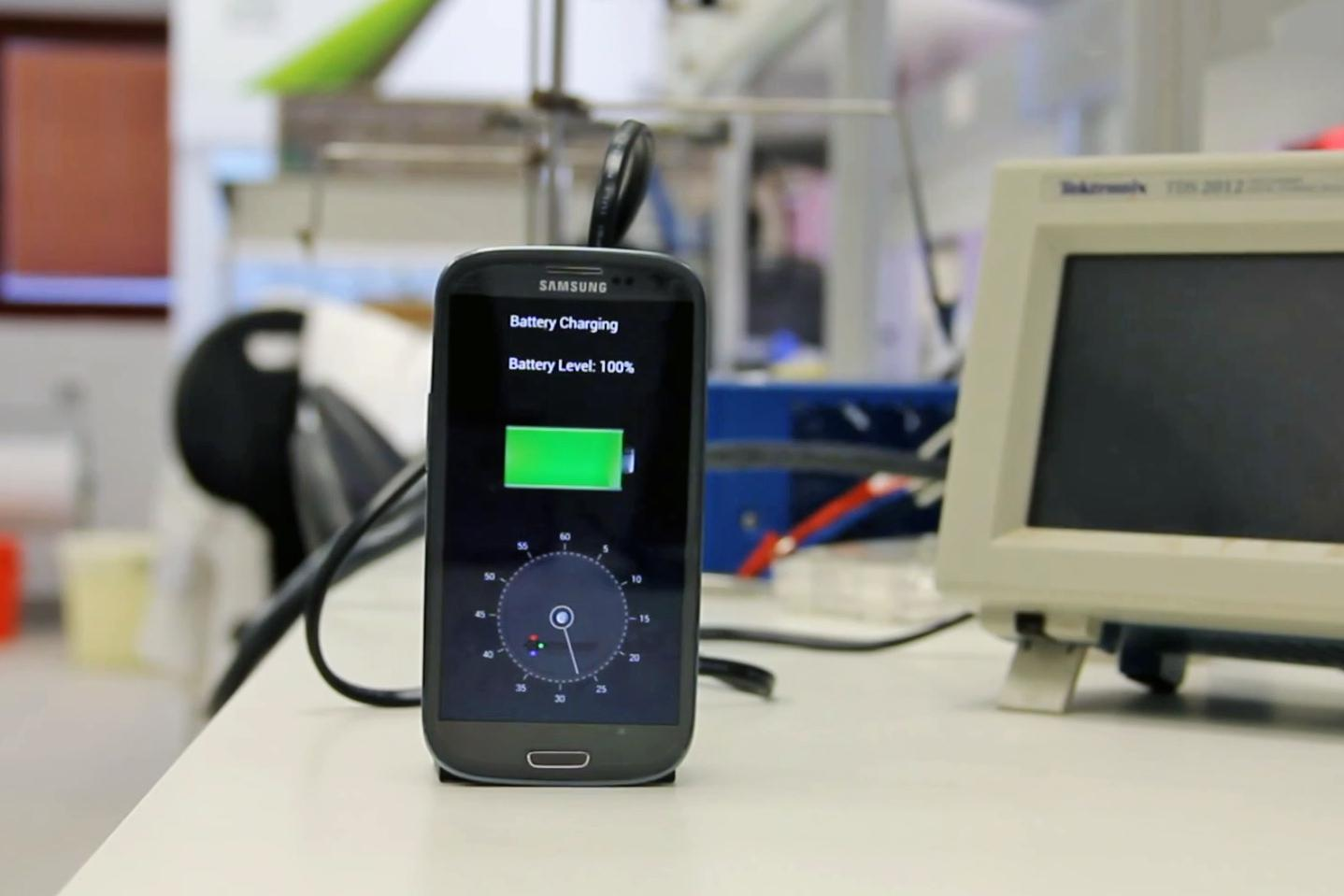 how to tell if a battery is charged