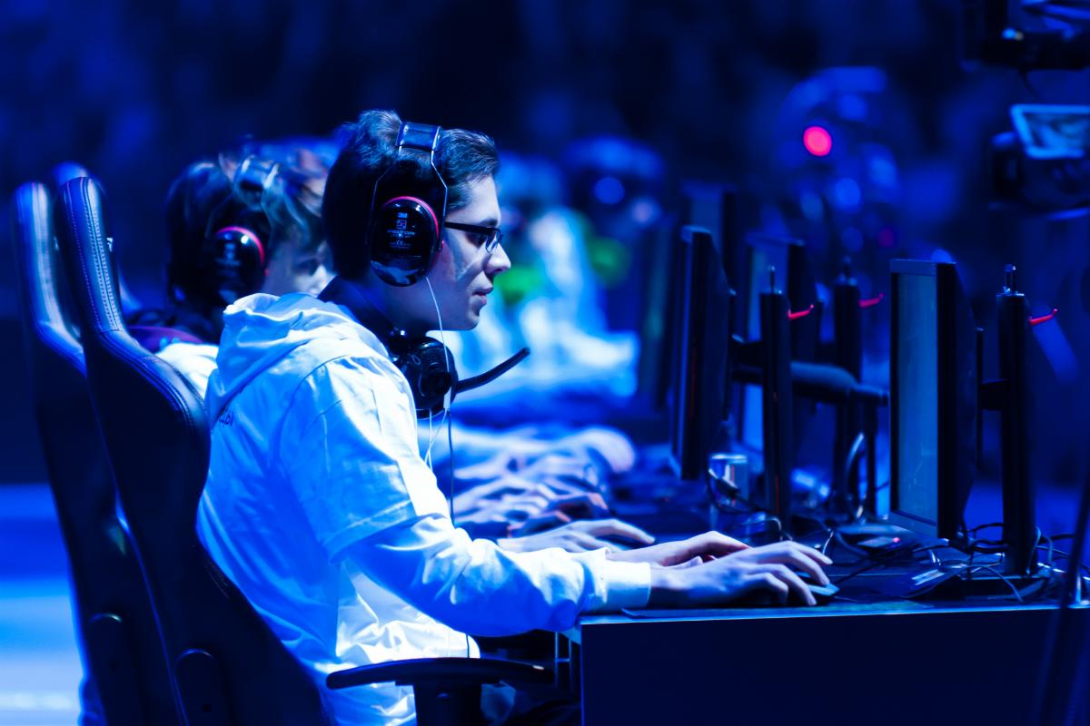 video games and the benefits they Cognitive benefits of playing video games  (here and here), i summarized evidence countering the common fears about video games (that they are addictive and promote such maladies as social .