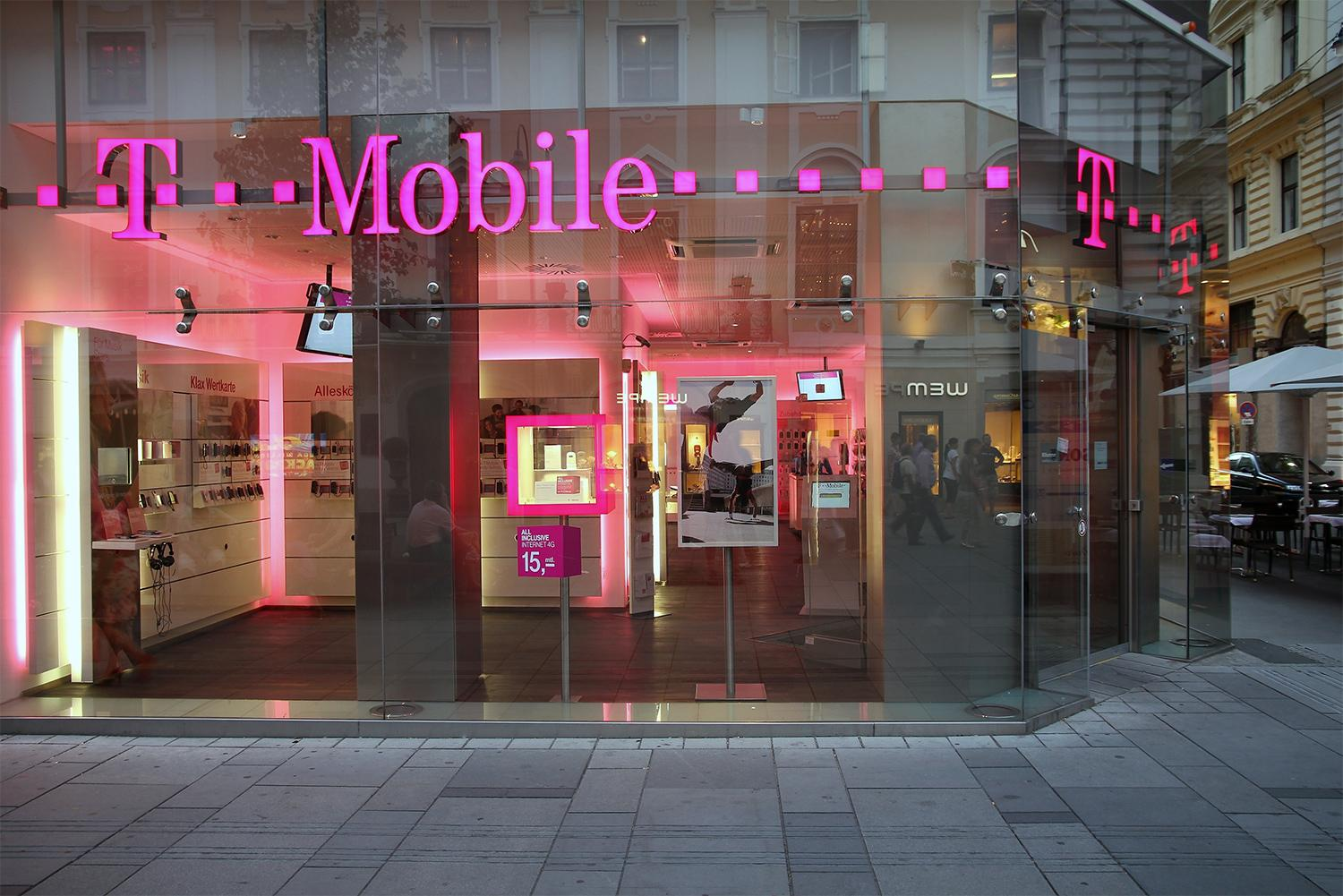 Mobile offering a free line of service beginning in March