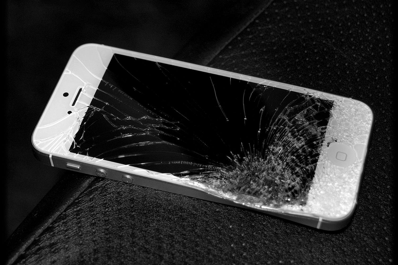 Error 53: Apple says iPhone error that 'kills' handset is security feature