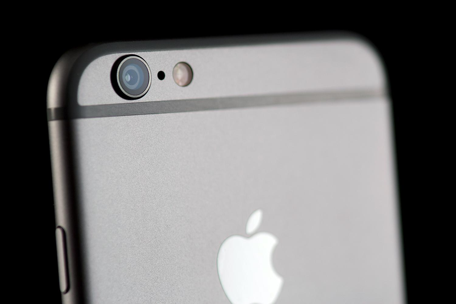 T-Mobile Cuts 64GB iPhone 6 Price $100 for Cyber Monday | Digital ...