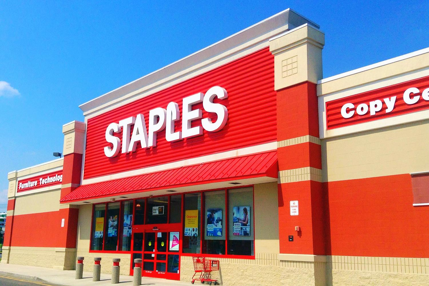 Staples is the latest company to announce a credit card breach digital trends - Staples corner storage ...