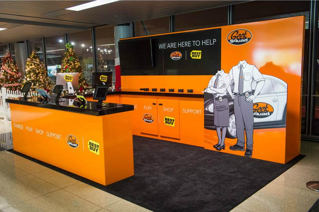 geek squad heads to chicago airport to offer free service digital trends. Black Bedroom Furniture Sets. Home Design Ideas