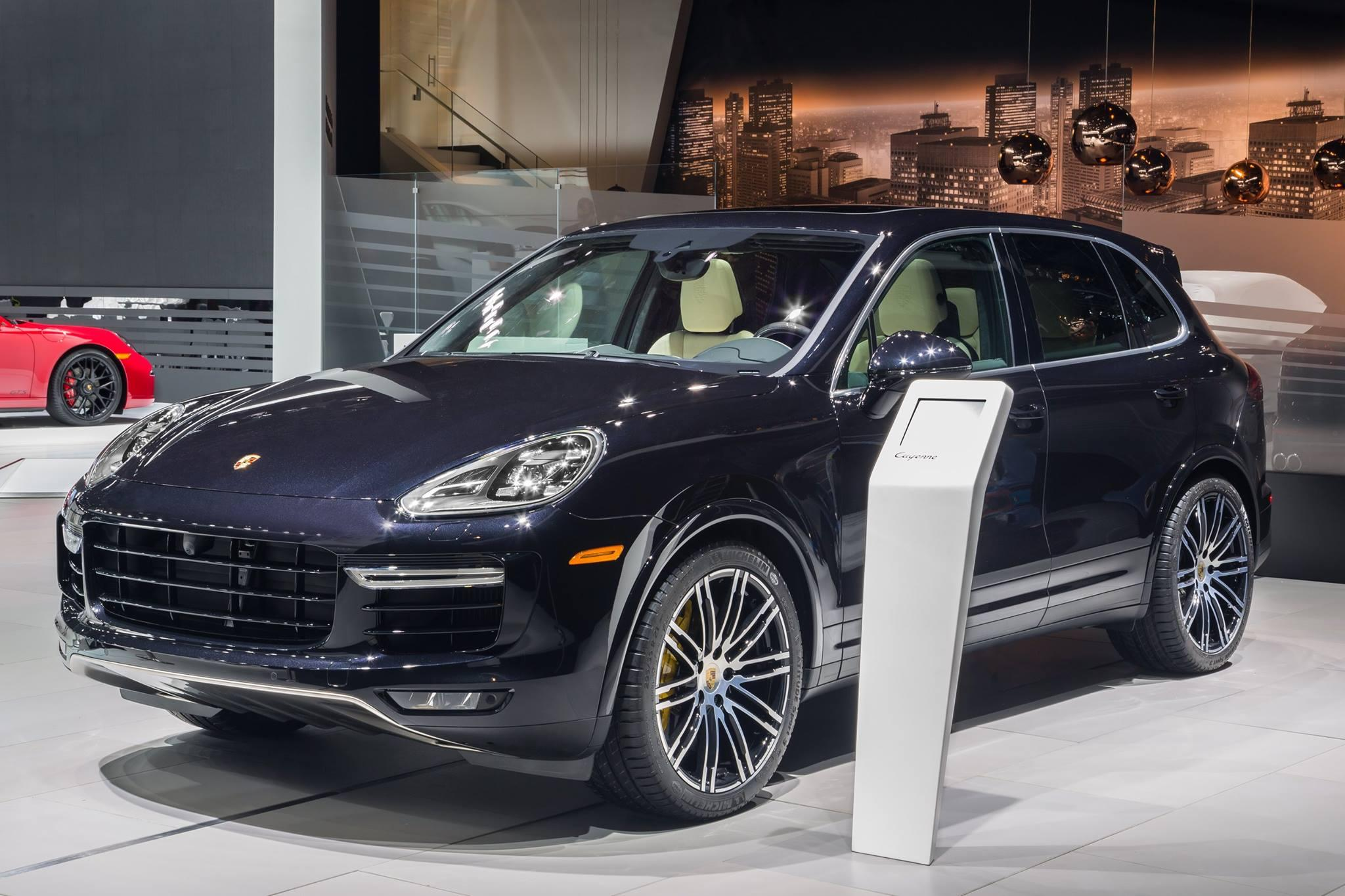 porsche cayenne turbo s official specs pictures performance digital trends. Black Bedroom Furniture Sets. Home Design Ideas