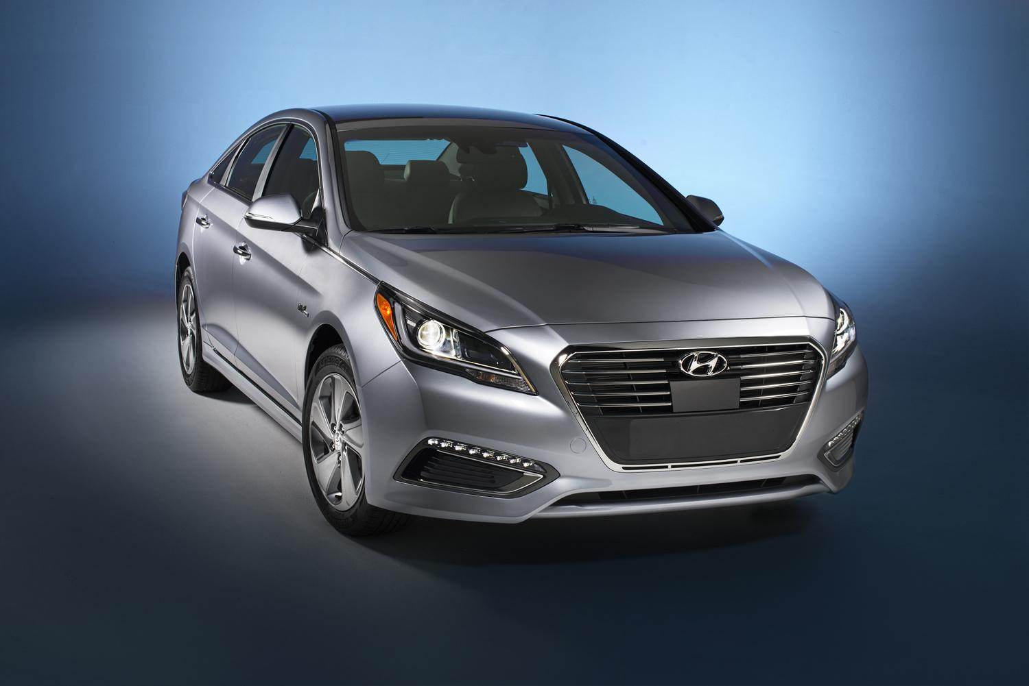 2016 hyundai sonata hybrid official specs pictures digital trends. Black Bedroom Furniture Sets. Home Design Ideas