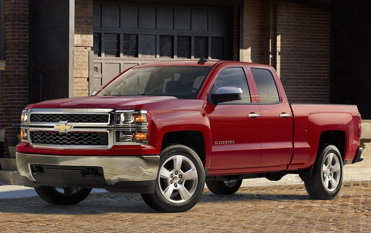 chevrolet's 2015 silverado custom offers luxury looks for a