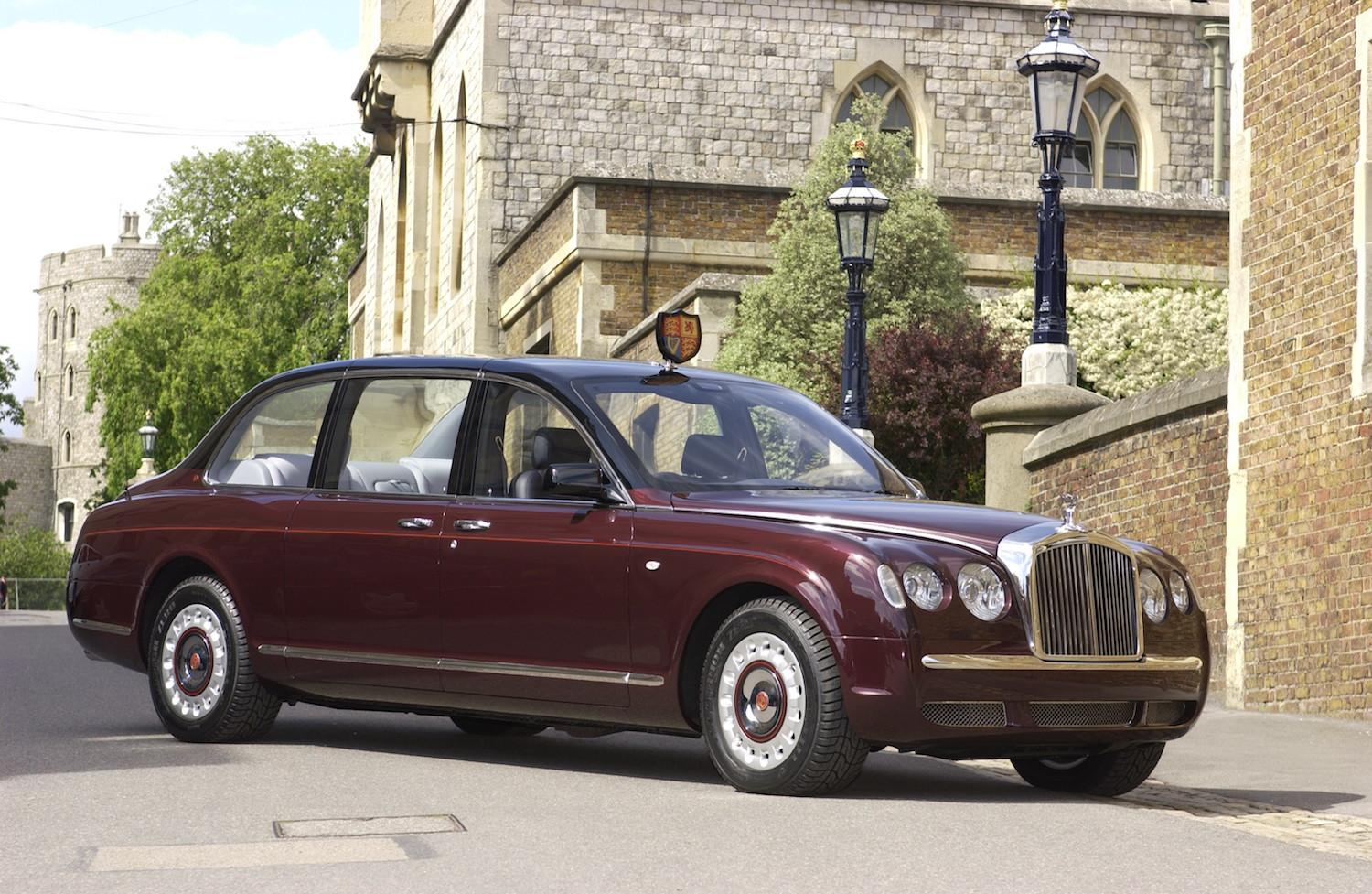 Her Majesty The Queen Would Be Most Amused If You Applied For The - Bentley chauffeur