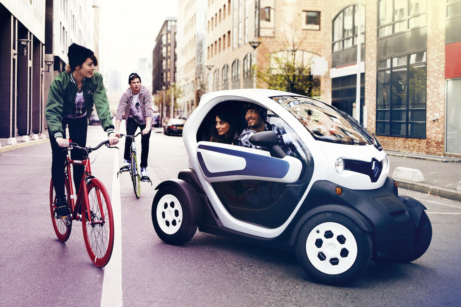 renault mulls over bringing the all electric twizy to canada. Black Bedroom Furniture Sets. Home Design Ideas
