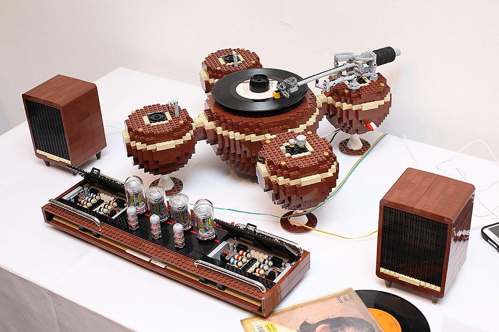 lego lover meets audiophile in this gorgeous turntable. Black Bedroom Furniture Sets. Home Design Ideas