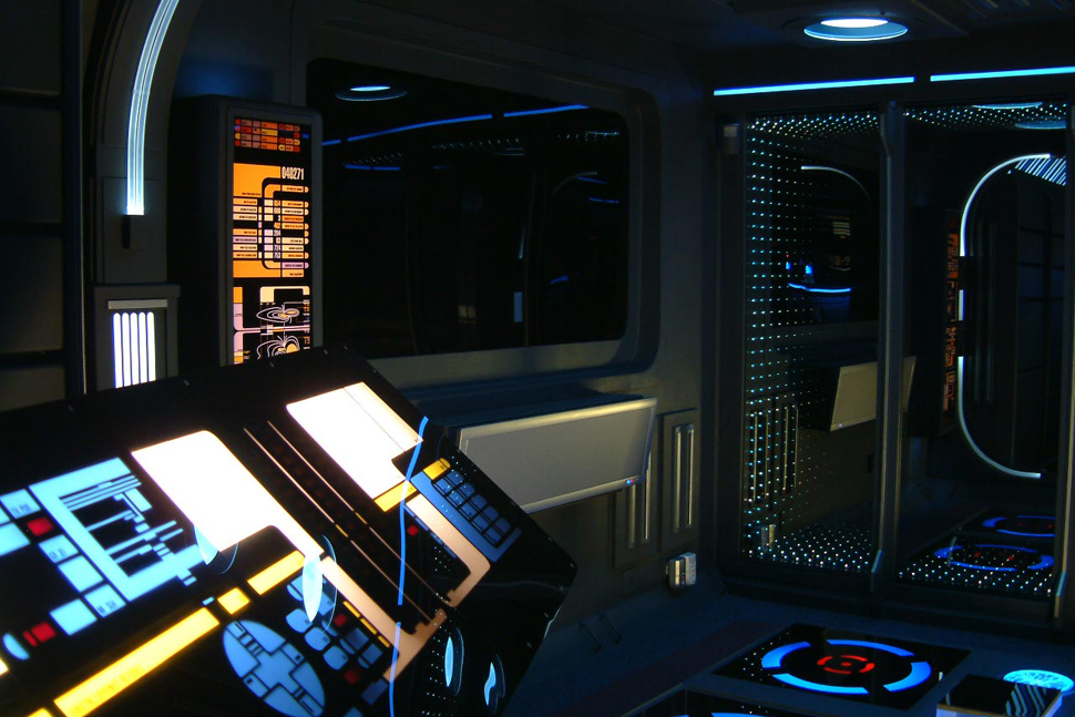 5 amazing star trek inspired houses and home theaters digital trends - Star trek online console ...