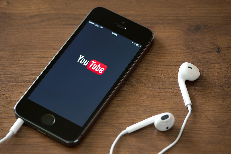 youtube videos on mobile ile ilgili görsel sonucu