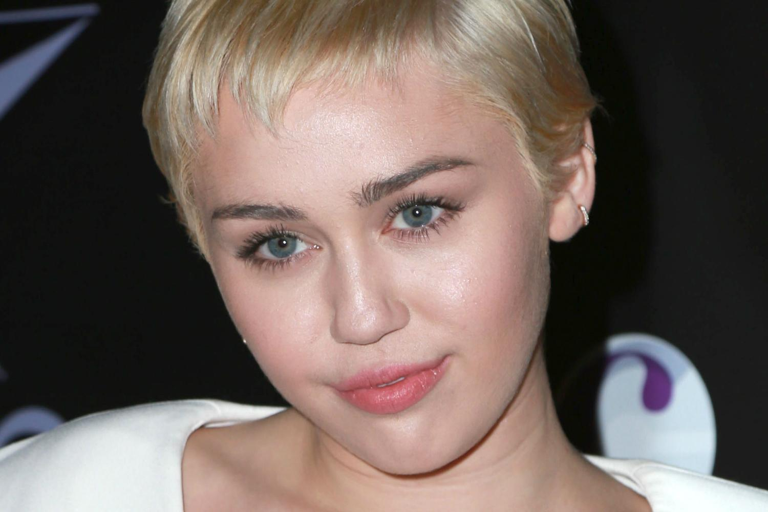 Miley Cyrus HD free wallpaper,stars and gallery,new photos archive