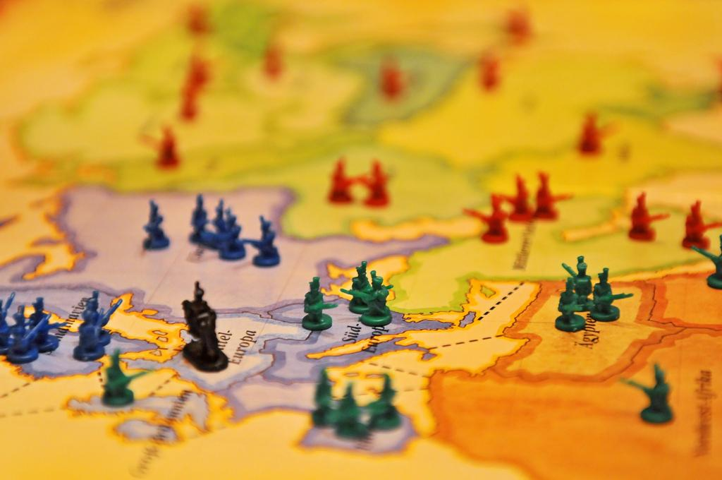 how to play risk