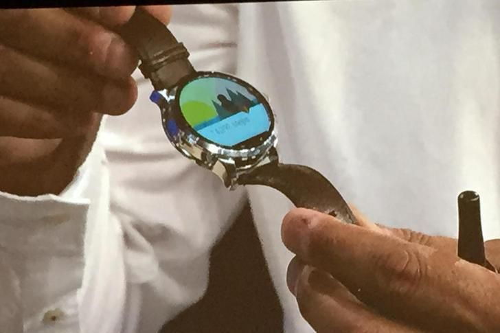 Fossil unveils its first Android Wear watch with Intel ...