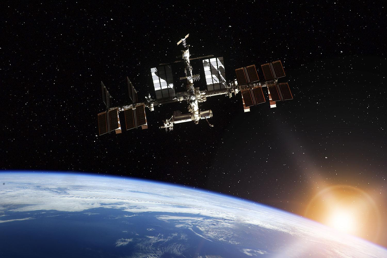Amazoncom Space Station IMAX Various Movies amp TV