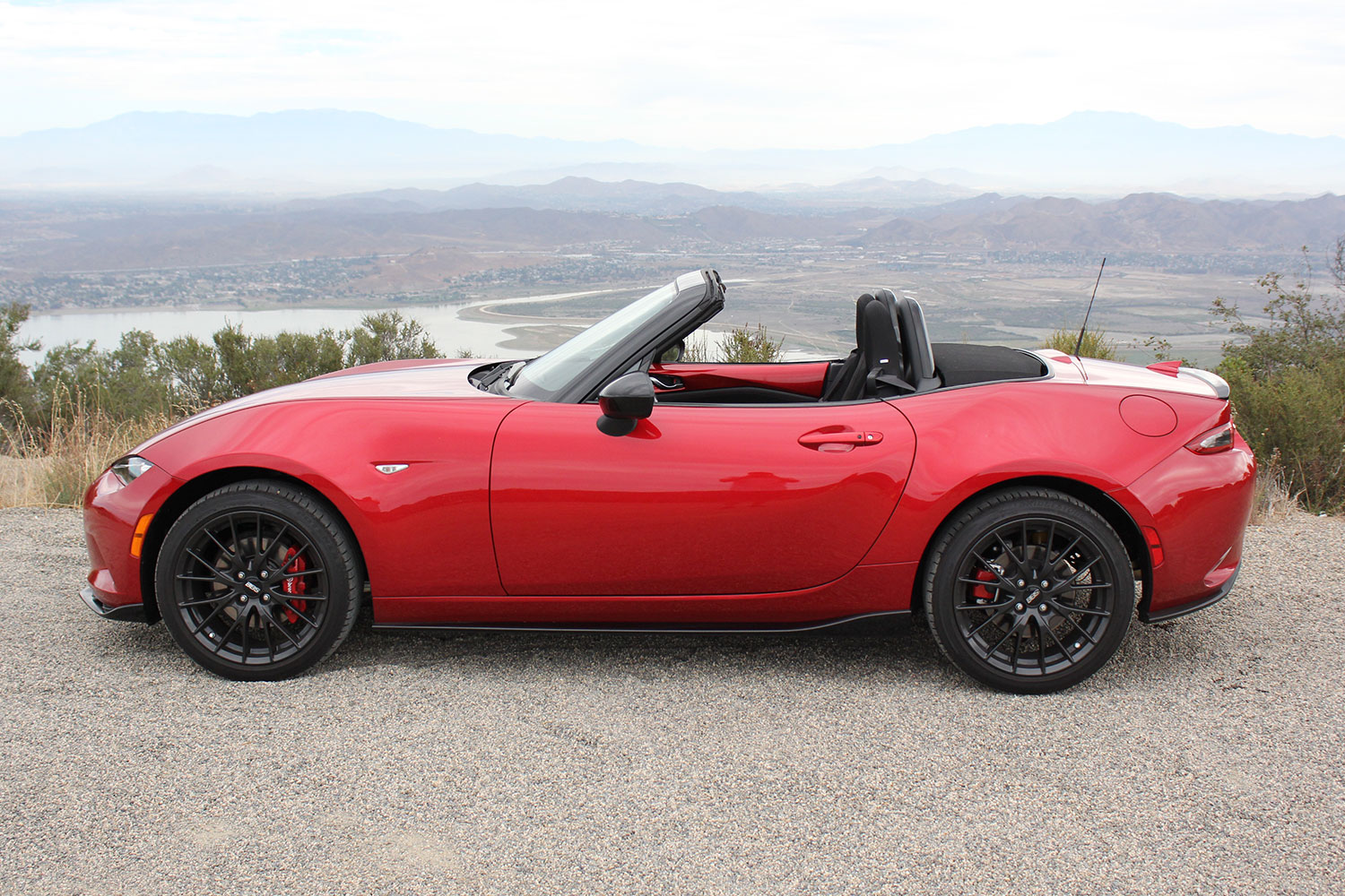 http://s3.amazonaws.com/digitaltrends-uploads-prod/2015/09/2016-Mazda-MX-5-Miata-side-top-down.jpg