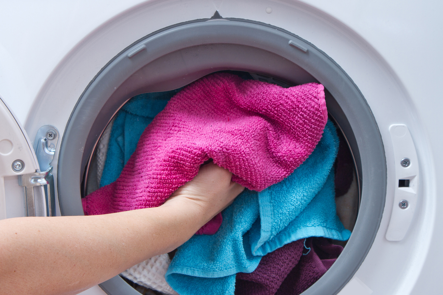 How to clean your washing machine the right way digital trends - Wrong wash clothesdegrees ...