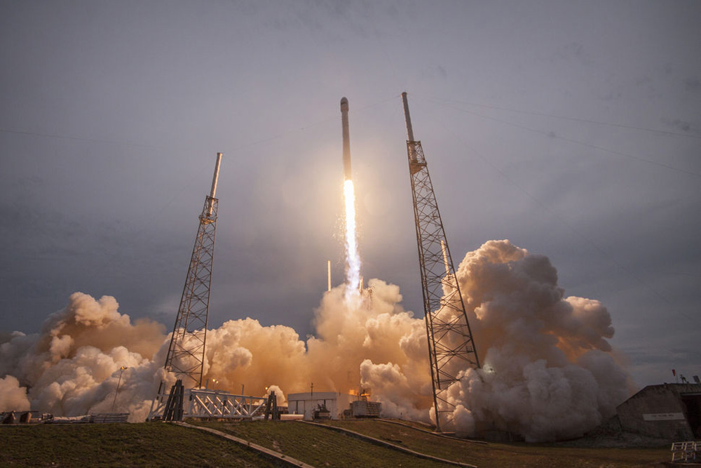SpaceX Plans a Return to Flight Next Week