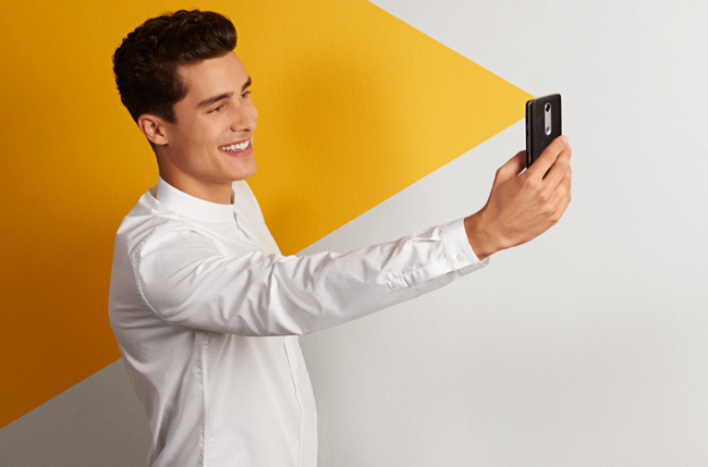 Pay with your face: MasterCard to launch 'selfie pay'