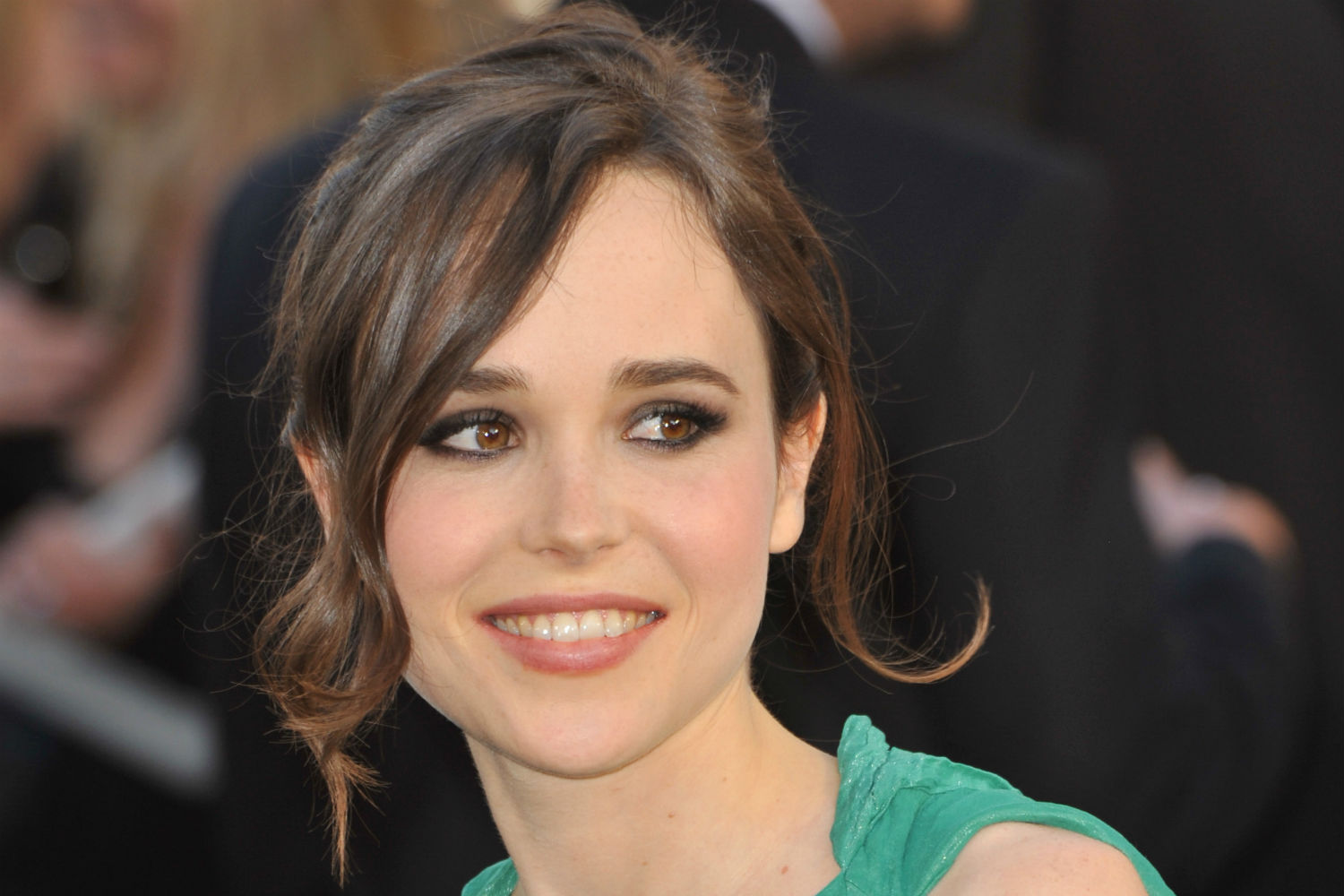 Ellen Page in talks to star in Flatliners remake Ellen Page