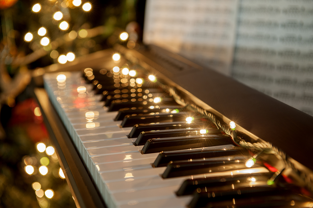 christmas piano wallpaper - photo #39