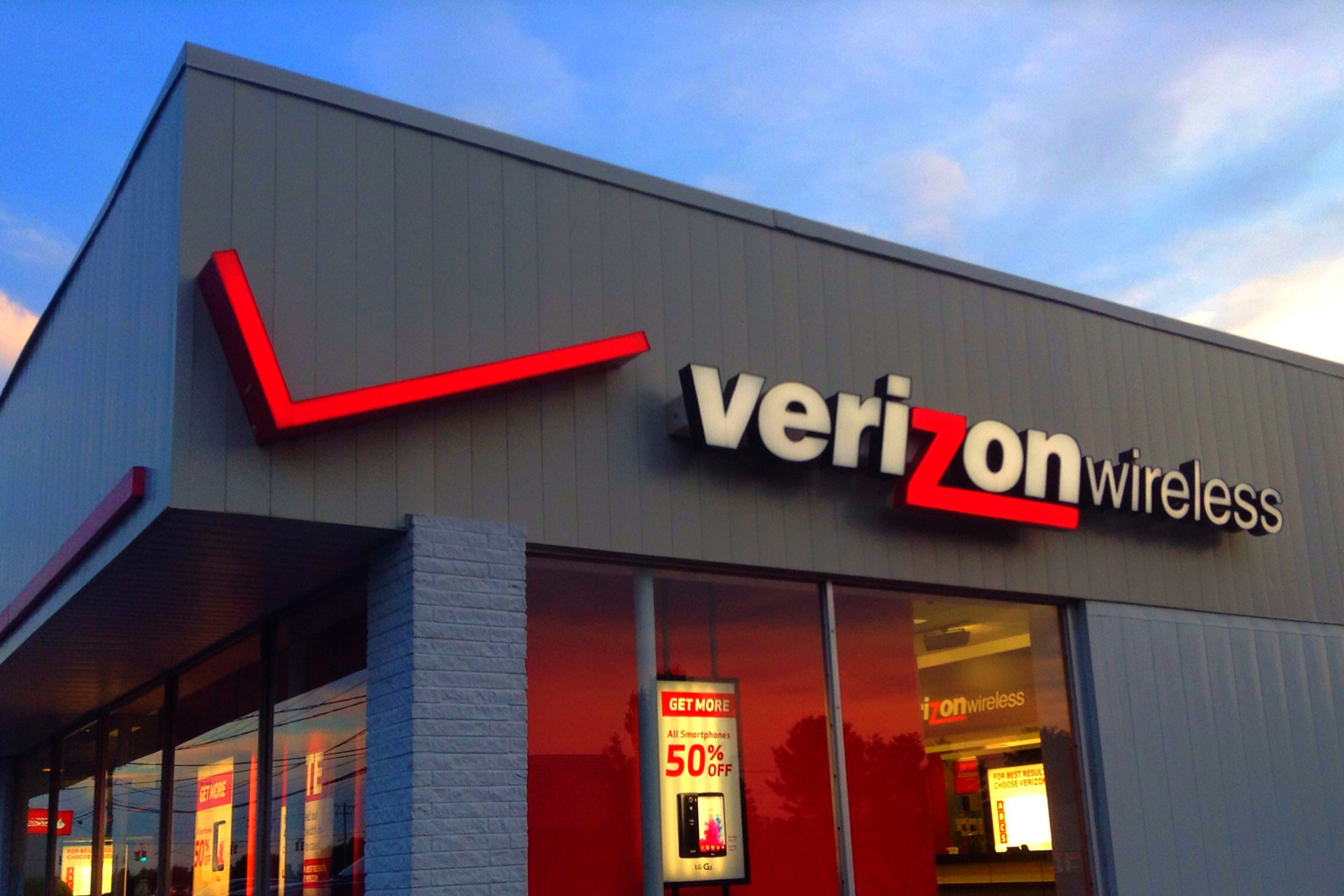 Verizon's Q4 subscriber growth drives earnings beat