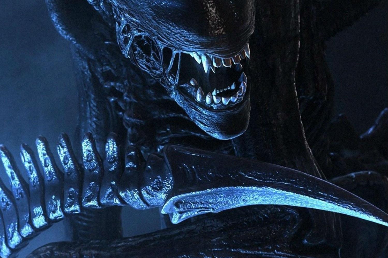 Xenomorph King Figurine  Alien amp Predator Figurine Collection
