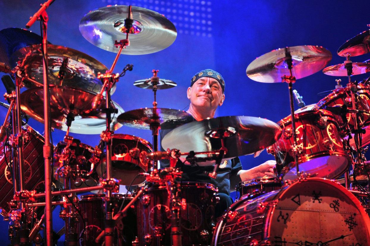 Rush drummer Neil Peart announces retirement plans