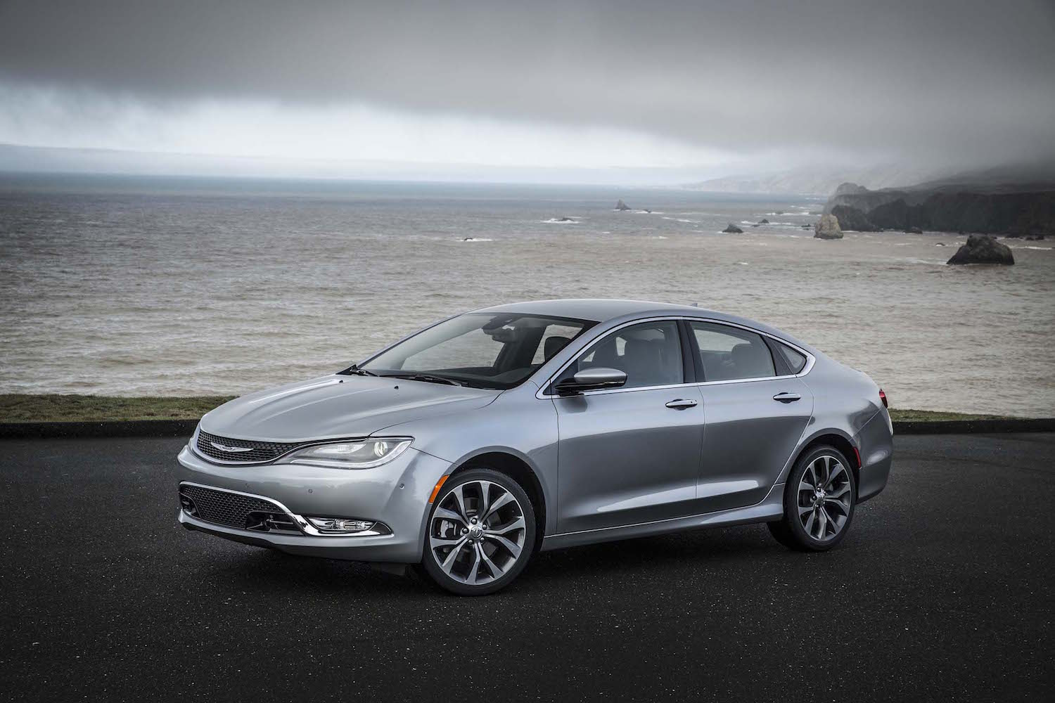Dodge's Dart and Chrysler's 200 are on their final tour of ...