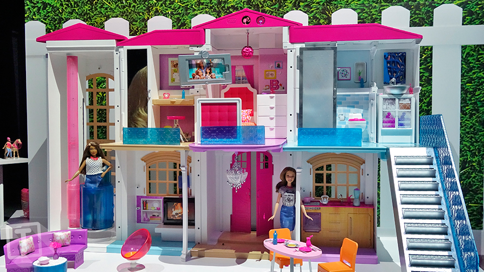 Cue The Doll Dance Party Hello Barbie 39 S Dream House Is