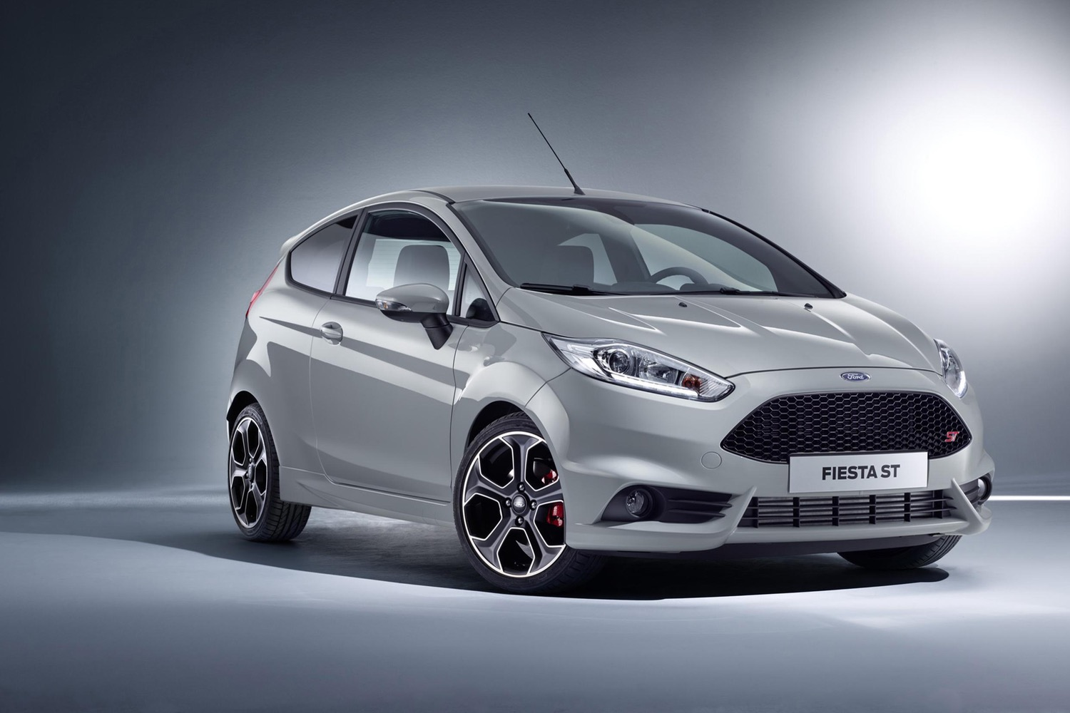 Fordu0027s tiny Fiesta might get a sharp new look and a luxury-focused trim u2026 at least in Europe & Fordu0027s tiny Fiesta might get a sharp new look and a luxury-focused ... markmcfarlin.com