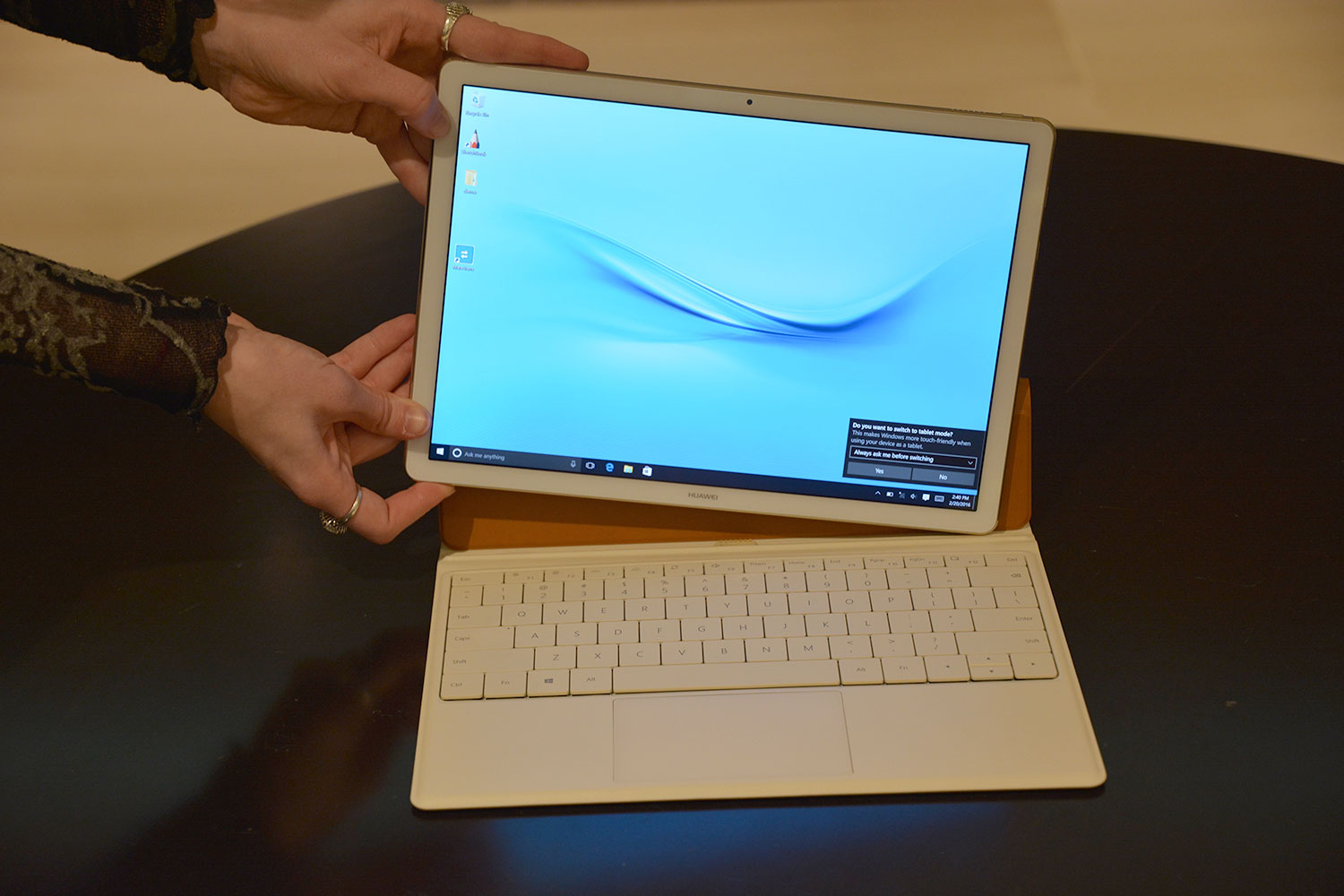 spec comparison huawei matebook vs samsung galaxy tabpro s. Black Bedroom Furniture Sets. Home Design Ideas