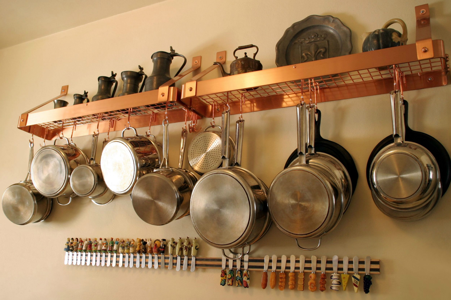 Kitchen Pots And Pans ~ Major mom brings drill sergeant efficiency to the
