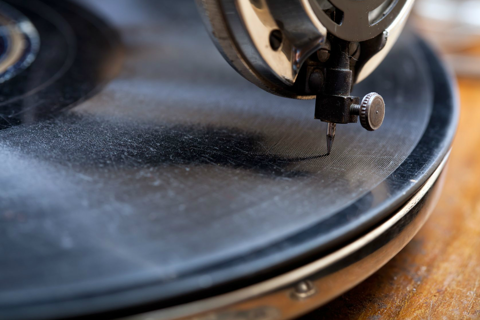 how to clean vinyl records so they look and sound sweet digital trends. Black Bedroom Furniture Sets. Home Design Ideas