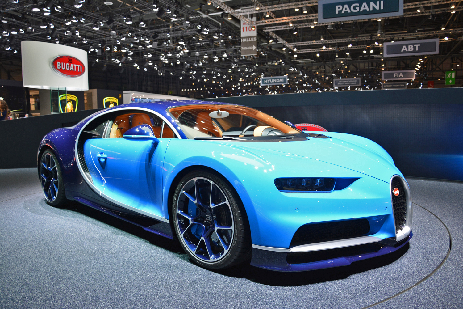 the bugatti chiron could still go hybrid the company confirms. Black Bedroom Furniture Sets. Home Design Ideas