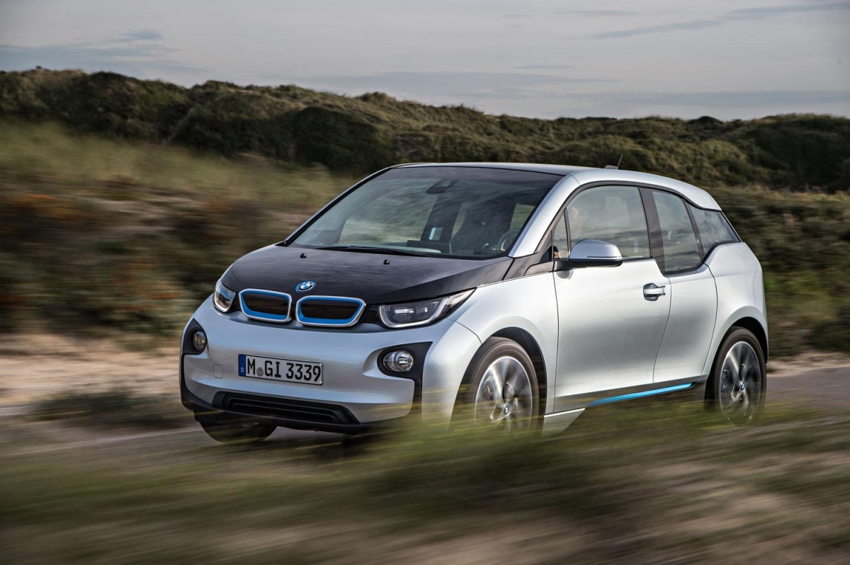 bmw 39 s 2017 i3 will offer two new versions and 120 miles of range. Black Bedroom Furniture Sets. Home Design Ideas