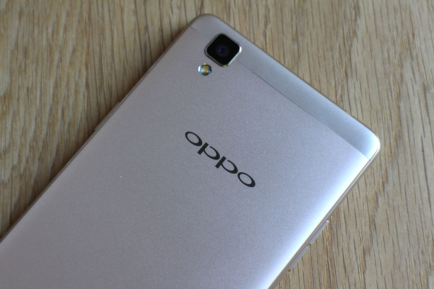 Oppo f1 top back angle digital trends