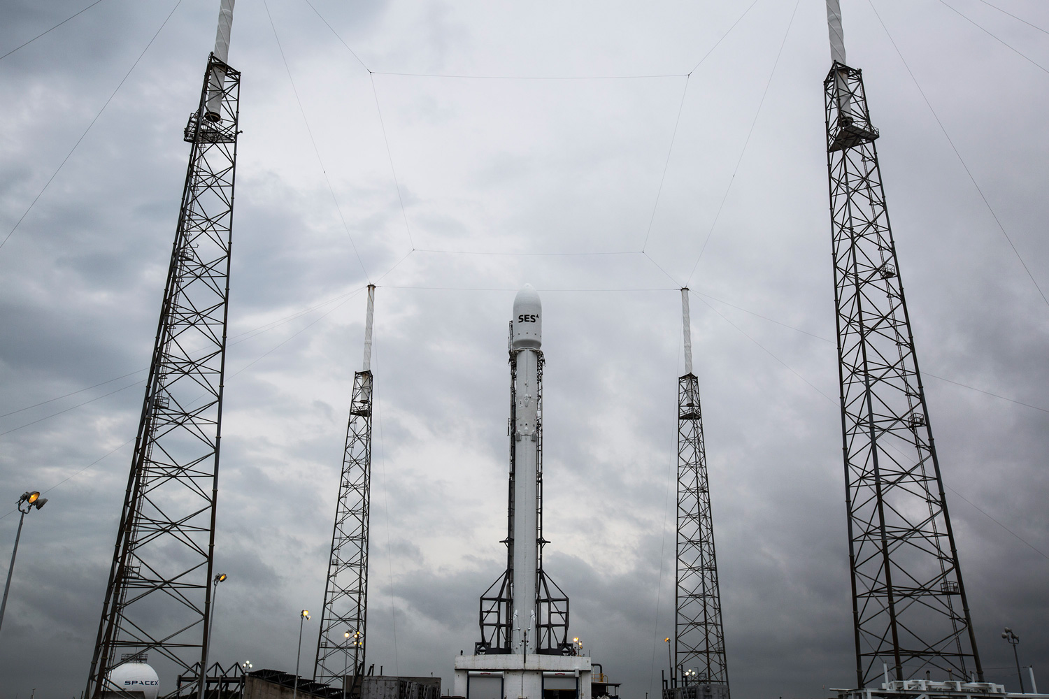SpaceX targeting a November launch for its Falcon 9 rocket