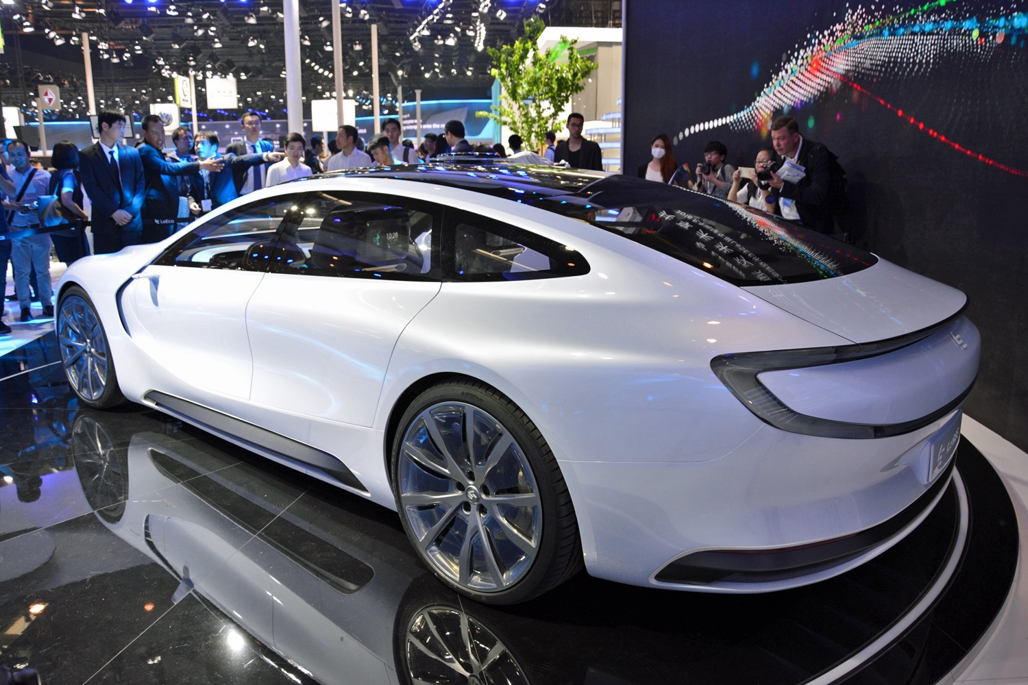 LeEco to invest $3 billion in electric car facility