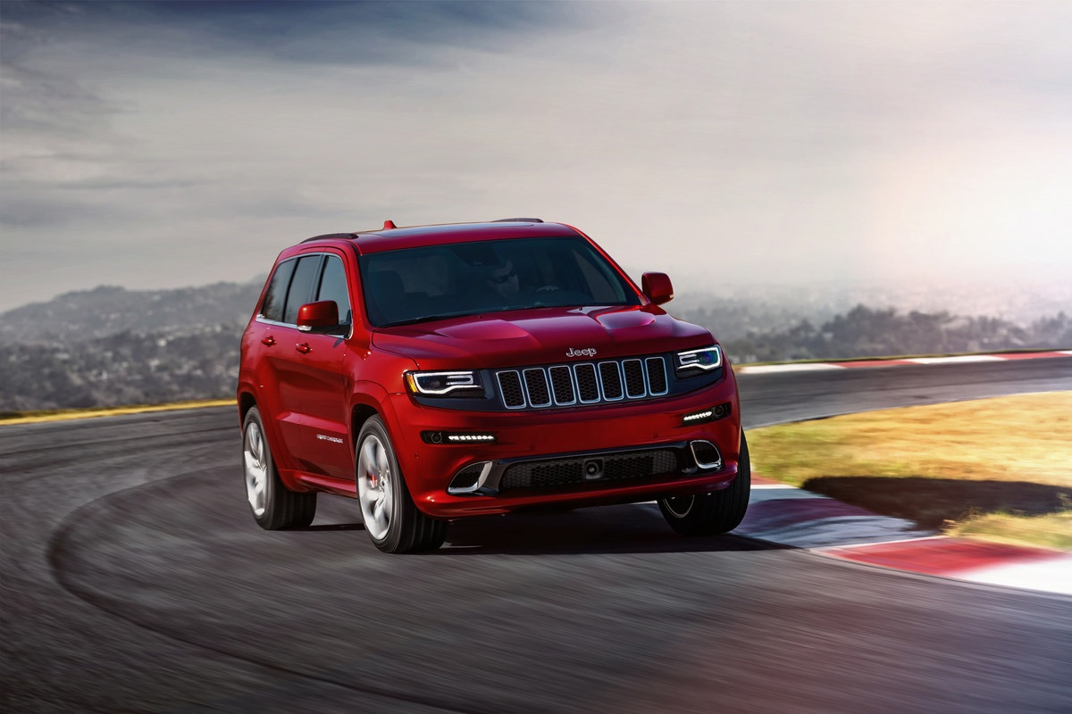 jeep's grand cherokee hellcat is bringing all 707 hp to the u.s.