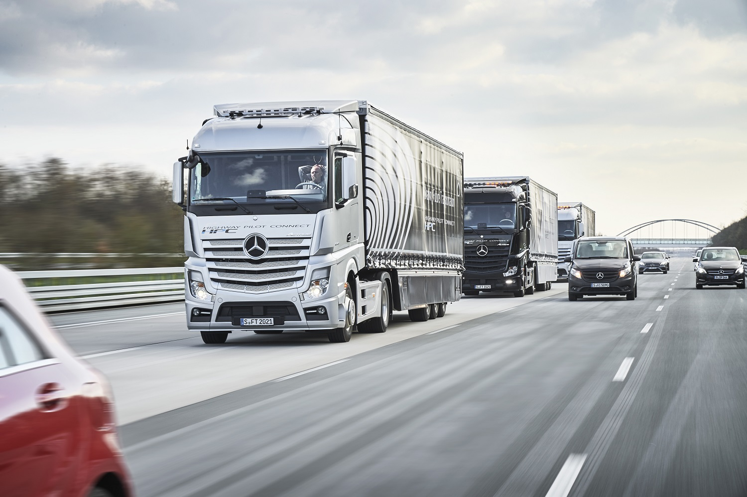 A trio of autonomous mercedes big rigs is hitting the road for Mercedes benz semi trucks