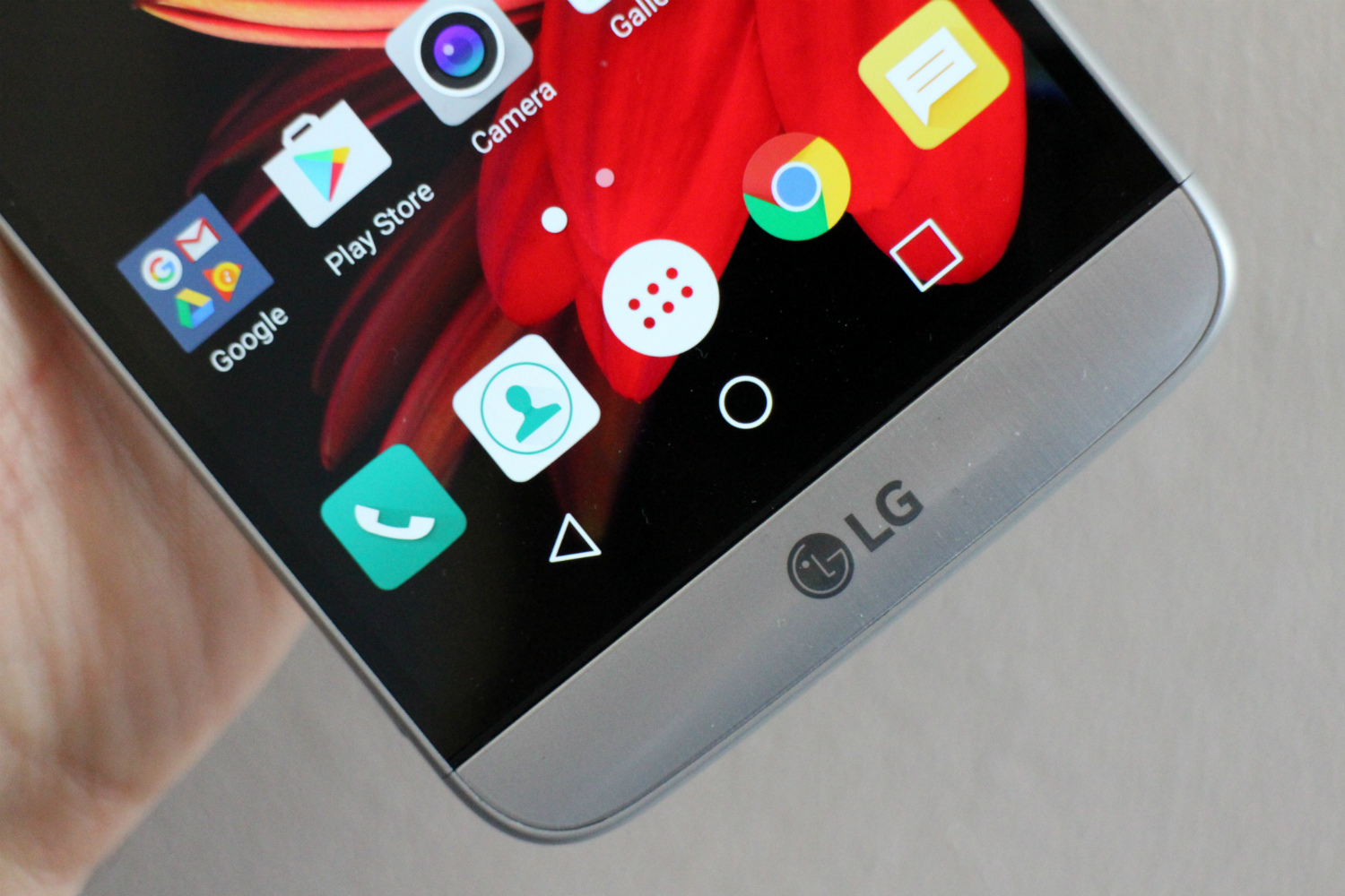 LG to reveal six smartphones at CES