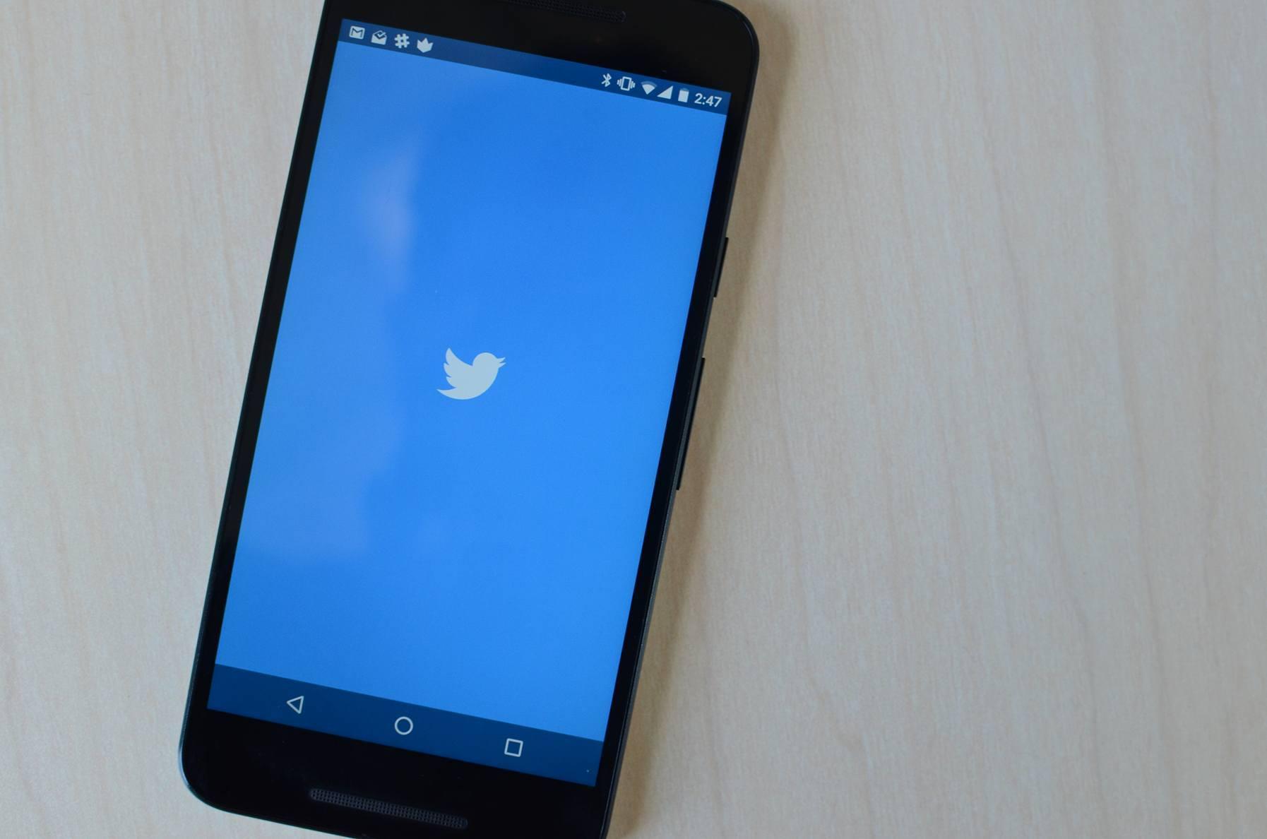Twitter Busts Tweet-Archiving Website PostGhost